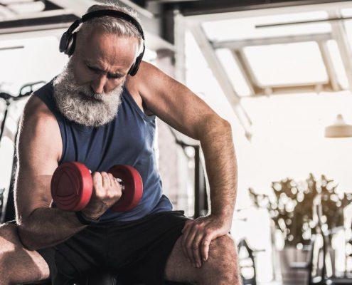 Muskeln aufbauen jenseits der 50 - so geht's