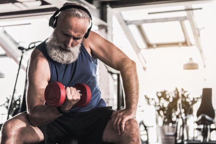 Muskeln aufbauen jenseits der 50 – so geht's