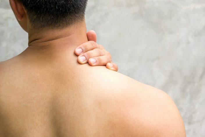 Ein einfacher Trick gegen verspannten Nacken