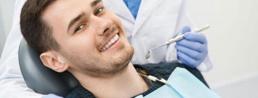 Betäubung beim Zahnarzt wieder auflösen - so geht's. Foto: Nestor Rizhniak / www.shutterstock.com